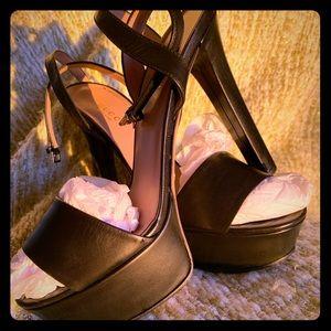 Black Gucci Sandals 🌑🌑🌑